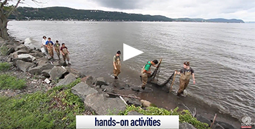 Suez leadership Program - Students conducting field work in the Hudson River